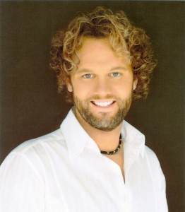 https://gaither.com/photos/david-phelps